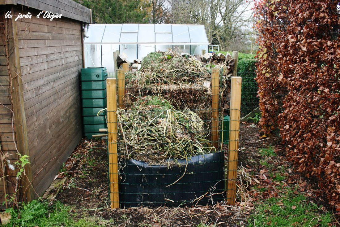 Bacs à compost au jardin d' Obigies